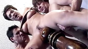 Extreme threesome with Francesca Dames