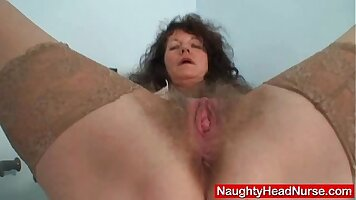 Amateur mother toying new hairy porno
