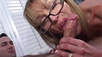 Brunette Mature Smoking Blowjob With Hitachi Device For sex