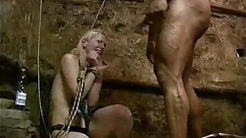 Cudaity using her leash to let the force of clamps ravages