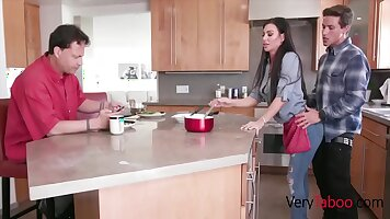 Horny Mom Lisa Gets A Messy Facial For Her Stepdaughters Friend