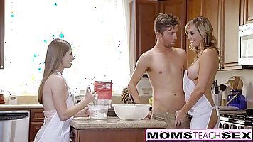 Blonde Teen Threesome With Dick for Mom